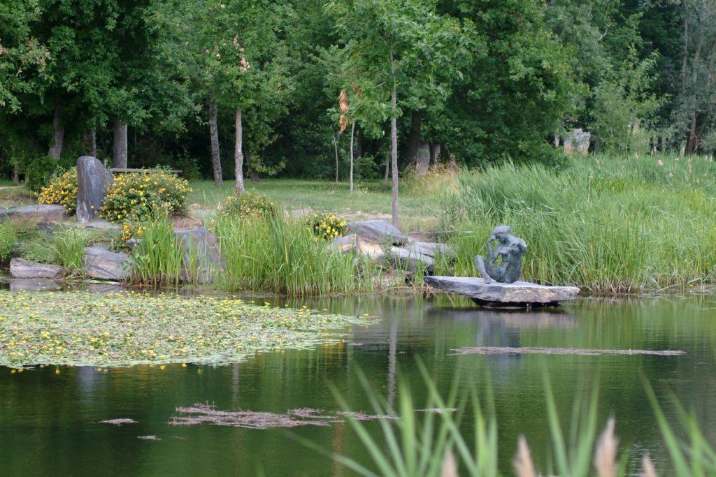 statue de Cacheux au parc du Vissoir - Trélazé