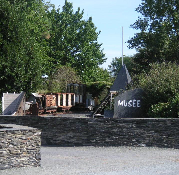 Vue du jardin du musée de l'ardoise Trélazé